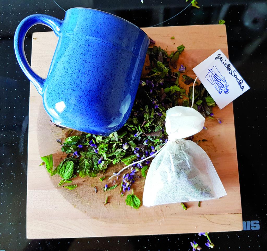 Tee - Kräuter - Köstlichkeiten